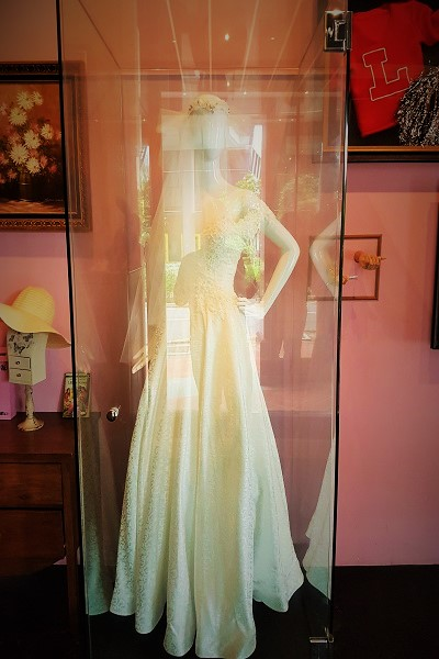 Monica's Wedding Dress - Central Perk Singapore