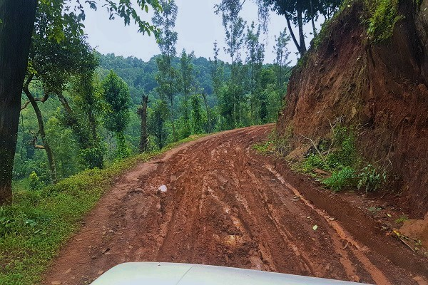 Off-Roading Mullodi to Belagal - Kudremukha Trek