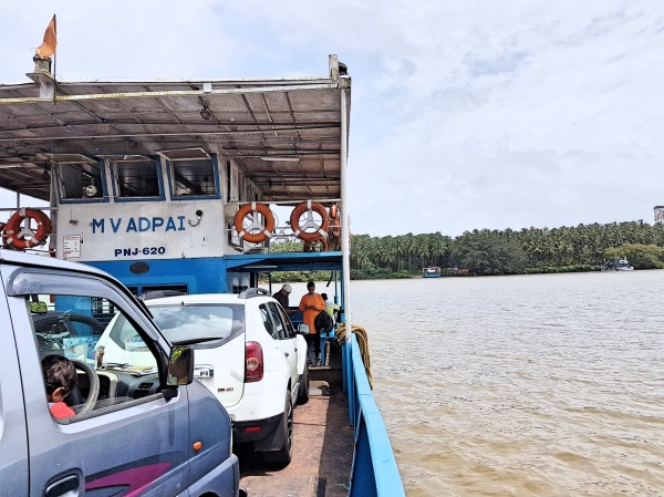 Ferry to Divar Island - Divar Island Goa Guide